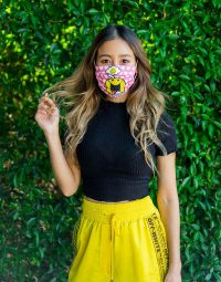 mask-smiley-800-1020-07
